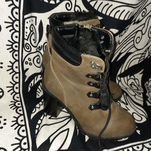 Block heel ankle booties!